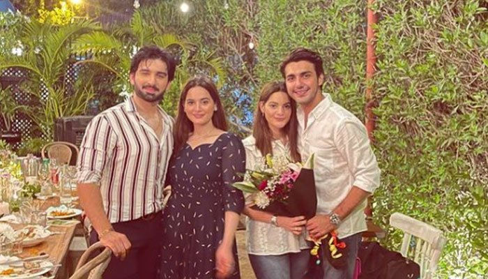 aiman-minal-khan-pose-with-their-other-halves-in-picture-perfect-portrait