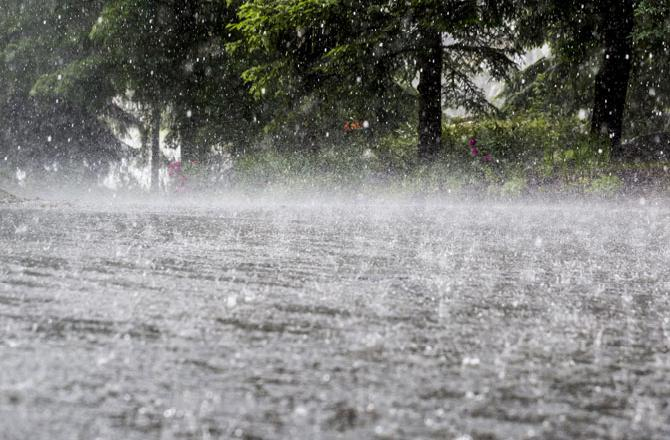heavy-rain-lashes-lahore-other-parts-of-country