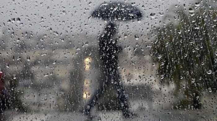 pakistan-weather-update-rain-lashes-lahore-karachi-likely-to-receive-light-rain-today