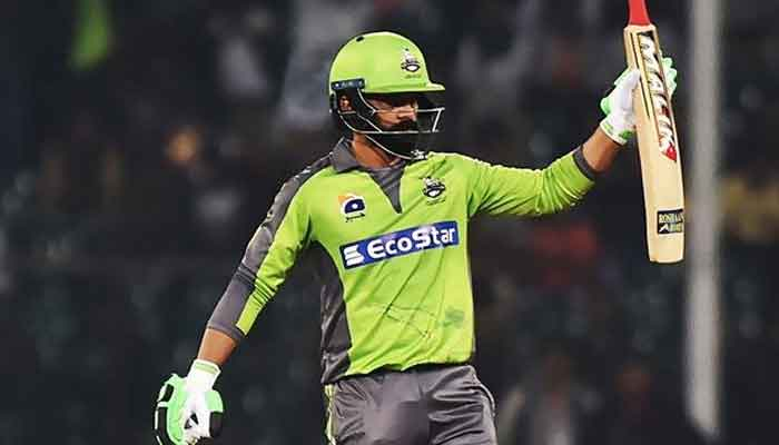 professor-mohammad-hafeez-teaches-multan-sultans-bowlers-a-few-lessons