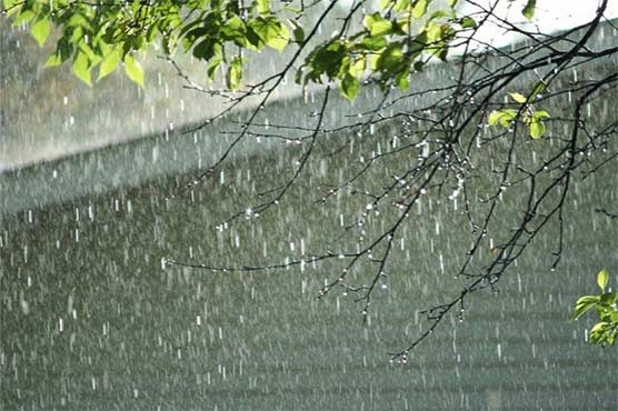 rain-spell-disrupts-life-in-lahore-other-cities-of-punjab