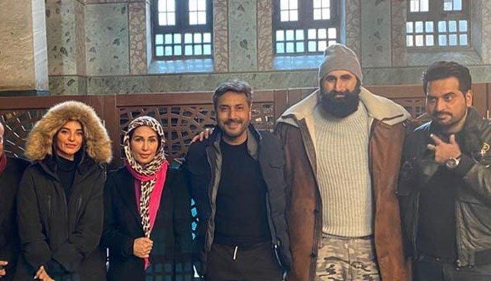 reema-khan-humayun-saeed-adnan-siddiqui-visit-hagia-sophia-mosque-in-istanbul