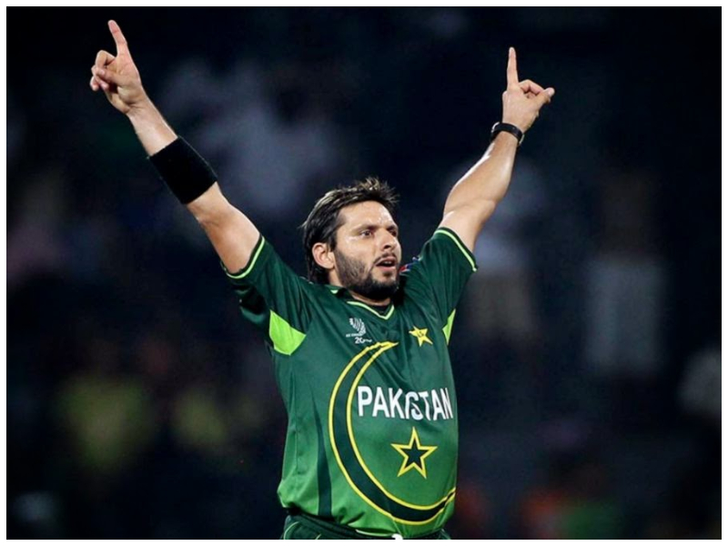shahid-afridi-questions-icc-for-not-allowing-umpires-to-hold-bowlers-caps