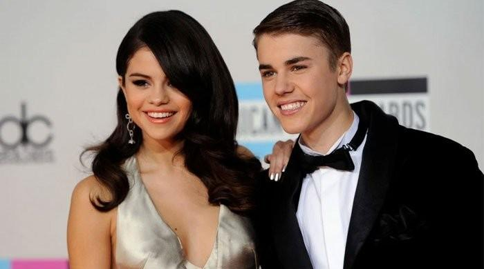 selena-gomez-new-song-de-una-vez-is-rumored-to-be-about-justin-bieber